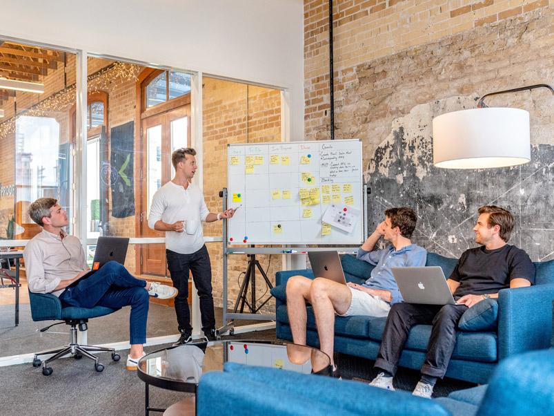 Groupe de travail en réunion